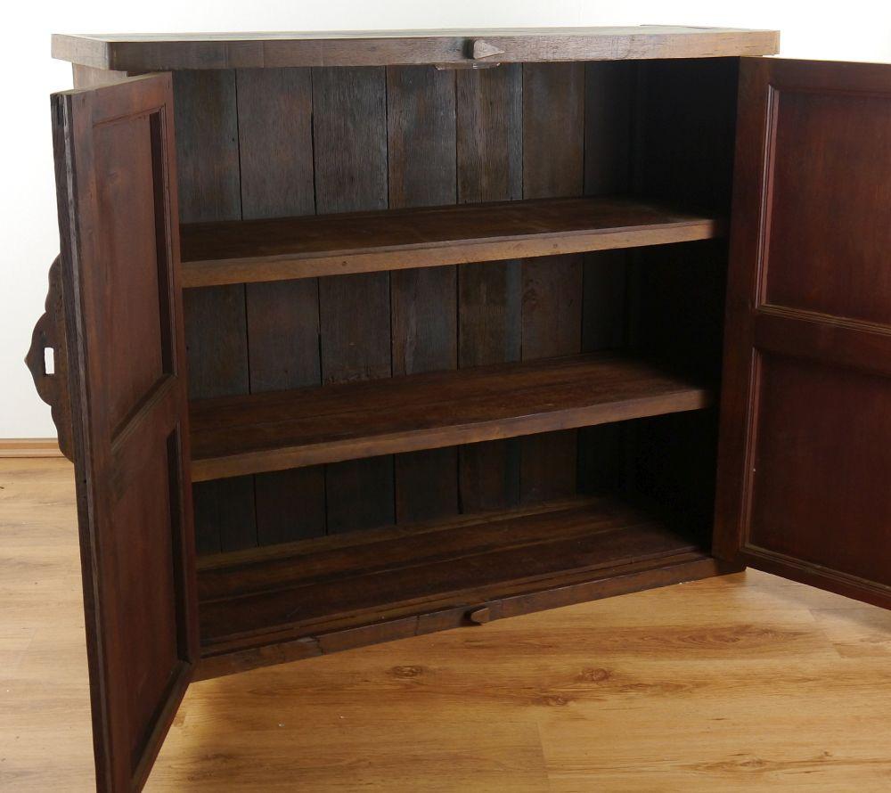 massiver schrank aus altem teakholz dielenschrank schlafzimmer wohnzimmer m bel ebay. Black Bedroom Furniture Sets. Home Design Ideas