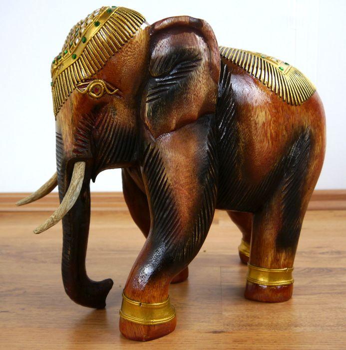 holzelefanten asiatische elefantenfiguren gl ckselefanten. Black Bedroom Furniture Sets. Home Design Ideas