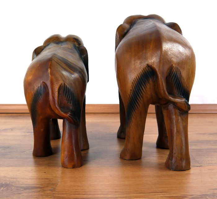 massiver holzelefant r ssel unten elefant aus holz. Black Bedroom Furniture Sets. Home Design Ideas
